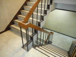 事務所および階段の内装工事(大阪市東成区/M㈱様)のサムネイル