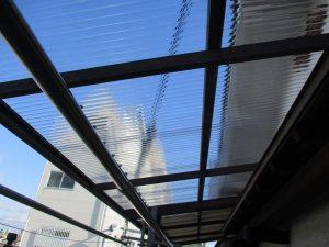 ベランダ波板の台風被害復旧工事(大阪市生野区/M様邸)のサムネイル