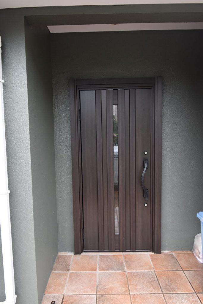 玄関ドアの施工後