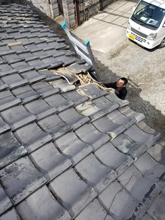 瓦屋根の施工前
