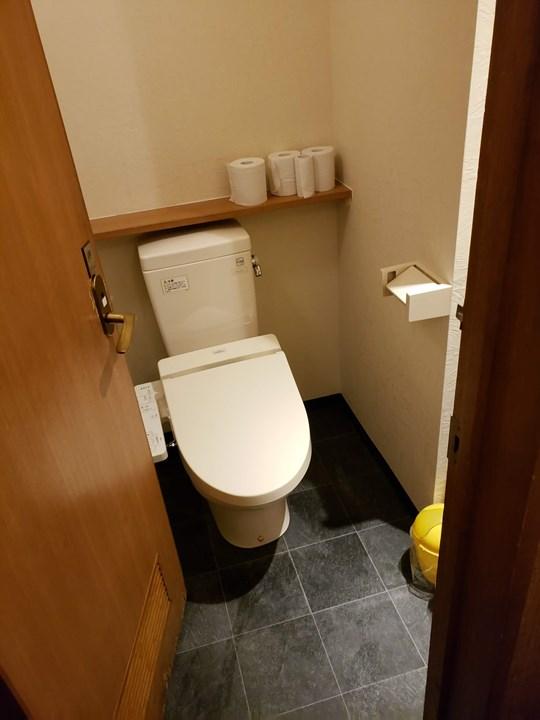 女性トイレの施工後