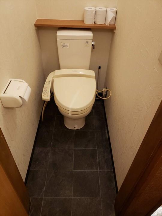男性トイレの施工後