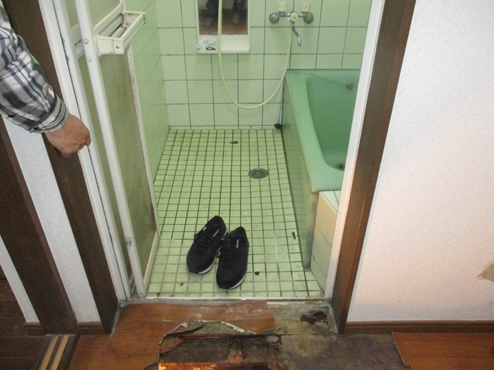 洗面脱衣所の施工前